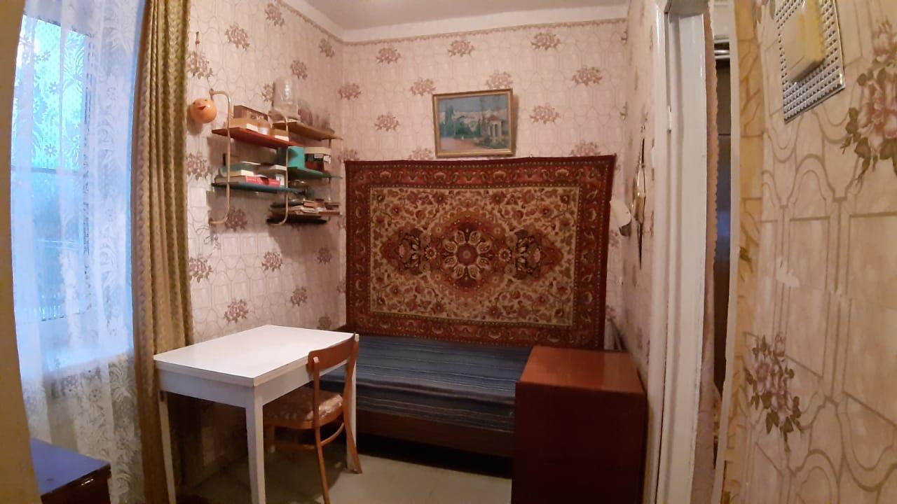 2 Комната. Продам/Сдам, 3-х комнатная квартира Кондрово Комсомольская дом 19 - 1 100 000 ₽. 8-920-885-8888