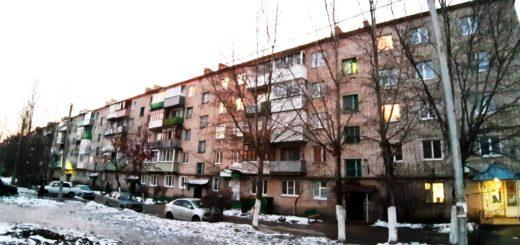 Объявления о продаже квартир в деревне Жилетово Дзержинский район Калужская область Продается 2 комнатная квартира в Жилетово № 6, Квартира расположена на 2 этаже в кирпичном пятиэтажном доме, площадью 45 м.