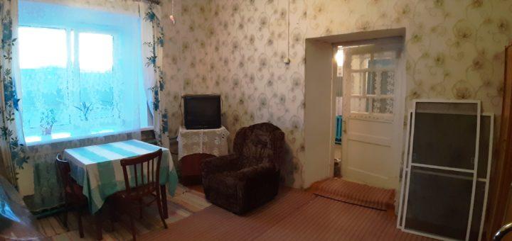 Продаю комнатную квартиру Полотняный Завод